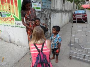 Ashwin og Jeya Suriya har flyttet inn i leilighet.