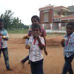 Rajaram koser seg med indisk wienerbrød
